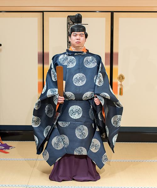 冠直衣(かんむりのうし)